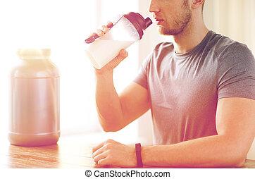 Arriba, sacudida, cierre, bebida, proteína, hombre