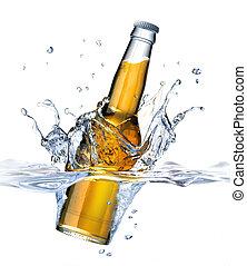 arriba, visible., splash., también, formación, claro, corona, lado, agua, fondo., cerveza, parte, agua, botella, debajo, cierre, caer, blanco, visto