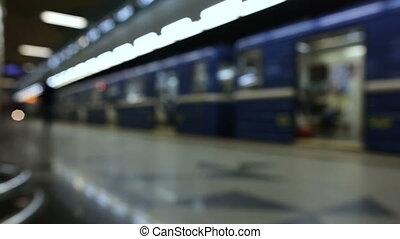 arrive, train, brouillé, station, métro, fond, départs