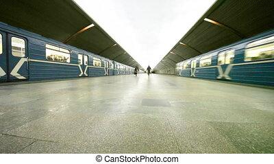 arrive, train, feuilles, part2, station, droit, métro, autre, côté, gauche