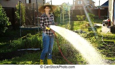 arrosage, femme, jardin, passe-temps, jeune, usines, concept, hose., elle