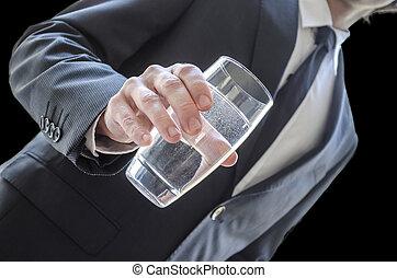 arrosez verre, offrande, homme affaires