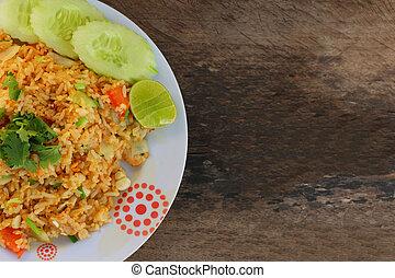 arroz frito, con, vegetales, y, carne