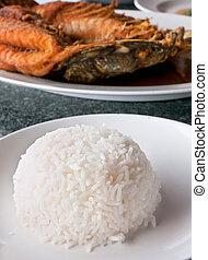 arroz, y, pez, en, tailandés, restaurante
