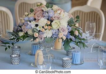 Art decor roses delphinium vase glasses cloth
