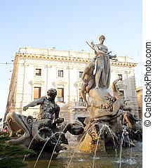Artemide fountain in Syracuse