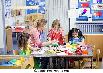 artes y artes, en, guardería infantil