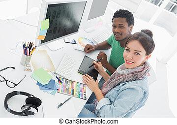 artista, algo, colega, gráfico, tableta de dibujo
