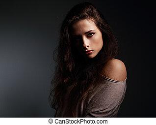 artisticos, mulher bonita, com, longo, hair., sombra, ligado, rosto meio