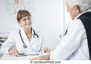 arts, het glimlachen, op, patiënt