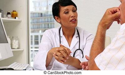 arts, het spreken, met, bejaarden, patien
