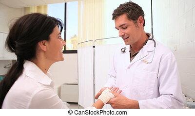 arts, het verbinden, patiënt, pols