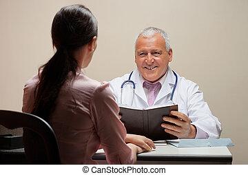 arts, kijken naar, patiënt