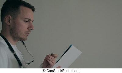 arts, tekens & borden, documenten, in, een, donker, ziekenhuis
