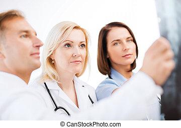 artsen, beschouwende röntgen
