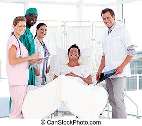 artsen, het spreken, om te, een, patiënt