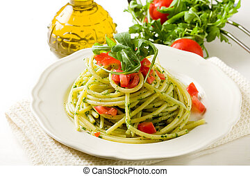 arugula, cereza, pesto, pastas, tomates