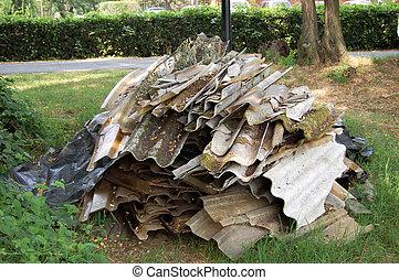Asbestos - Illegal deposit of asbestos in the town public...