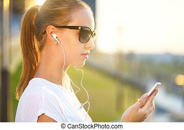 ascoltando musica