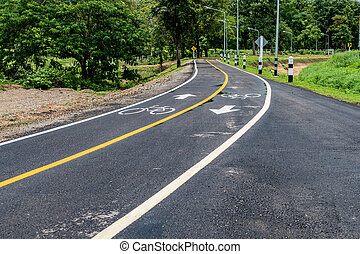 asfalto, bicicleta, camino, con, línea amarilla