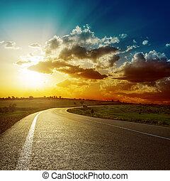 asfalto, fantástico, pôr do sol, sobre, estrada