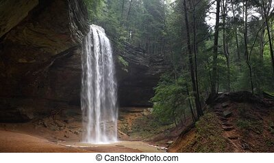 Ash Cave Falls Loop - Ash Cave, an enormous recess cave in ...