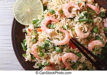 asiático, arroz frito, con, mariscos, macro, horizontal,...