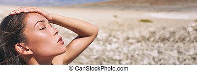 asiático, tempo, mulher, panorâmico, sol, bandeira, calor, deserto, menina, temperatura, exhausted., quentes, paisagem, desidratado, apoplexia, danger., suar, cansadas, verão
