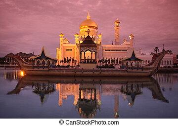 ASIA BRUNEI DARUSSALAM - the Omar Ali Saifuddien Mosque in...