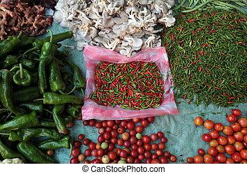 ASIA SOUTHEASTASIA LAOS LUANG PRABANG - the morning market...