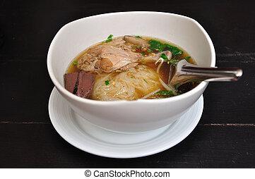 Asian cuisine, rice noodles