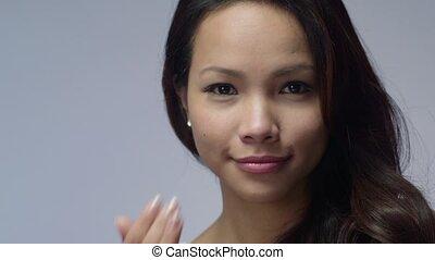 asian dziewczyna, używając, piękno, śmietanka