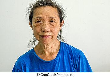 female senior portrait