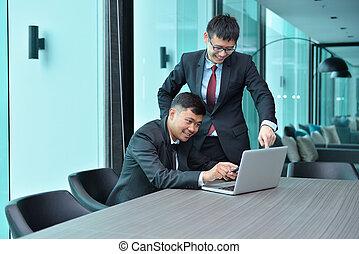 asian handlowy, ludzie pracujące razem, przed, laptop, w, spotkanie pokój