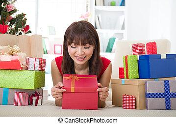 asian lány, christmas celebration, -ban, neki, otthon