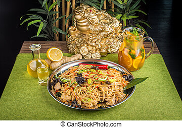 Asian noodles with mushrooms