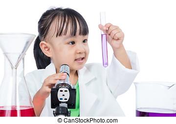 asiat, kinesisk, lille pige, arbejder, hos, mikroskop
