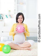 asiatico, donna incinta, esercitarsi