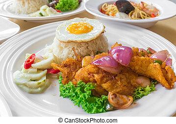 asiatico, mescolare-fritto, riso, piccante, dolce, lato, cinese, uovo, cibo, soleggiato, fish