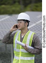 asiatique, ingénieur, vérification, panneau solaire, setup.