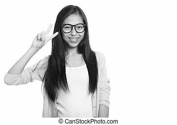 asiatique, paix, coup, fille sourire adolescent, signe, studio, jeune, heureux, donner