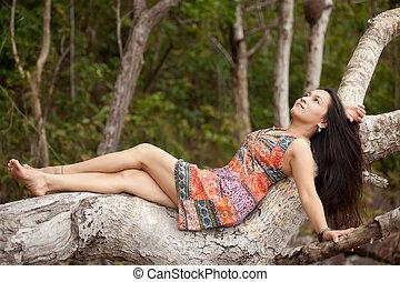 asiatisk kvinna, in, natur