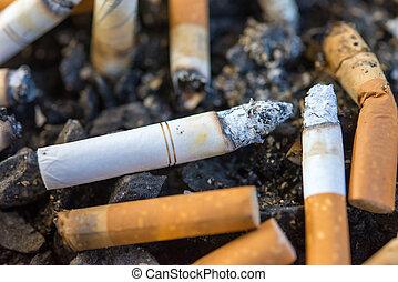 askkopp, och, cigarretter, close-up.