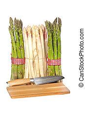 Asparagus and cutting board