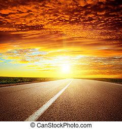 asphalte, sur, dramatique, coucher soleil, route rouge