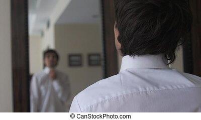 assaisonnement, lui-même, jeune homme, miroir., devant