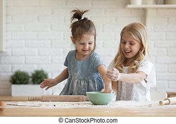 assando, pequeno, divertimento, irmãs, cozinha, ter, junto