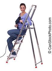 assento mulher, ligado, escadas, com, broca