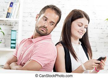 assento mulher, par, jovem, costas, telefone, costas