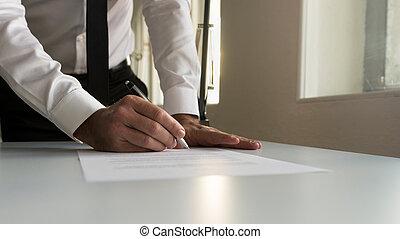 assinando, escritório, papeis, contrato legal, homem negócios, documento, ou